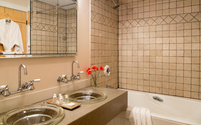Green Mountain Inn - Bathroom