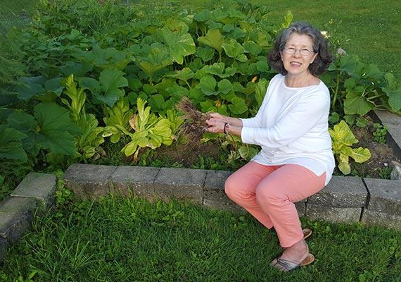 Carol-in-the-garden