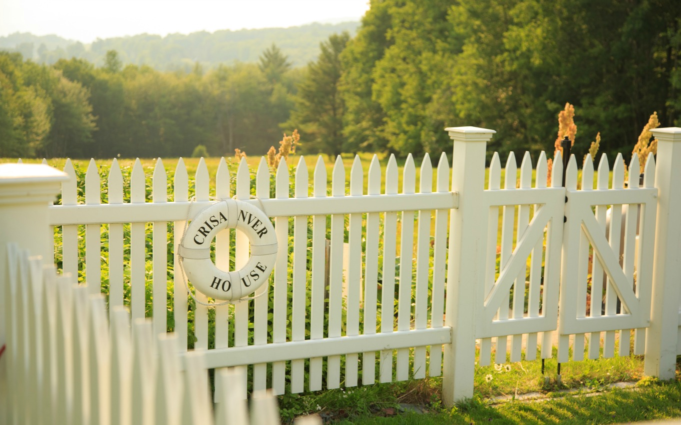 Green Mountains Bed and Breakfast fence