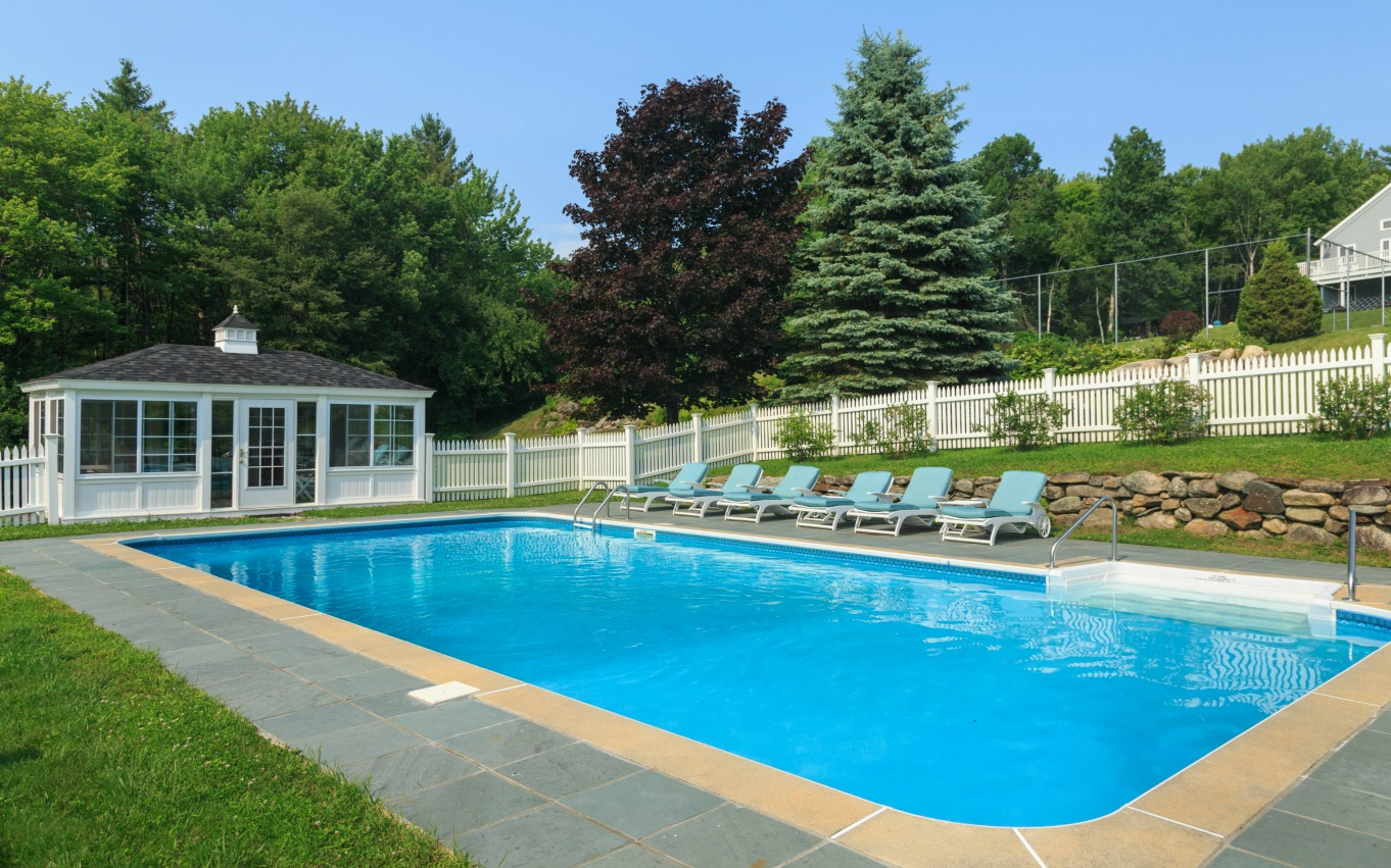 Green Mountains Bed and Breakfast swimming pool