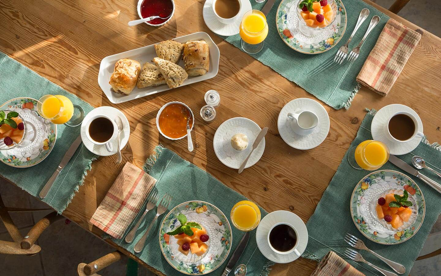Vermont Bed and Breakfast - breakfast table